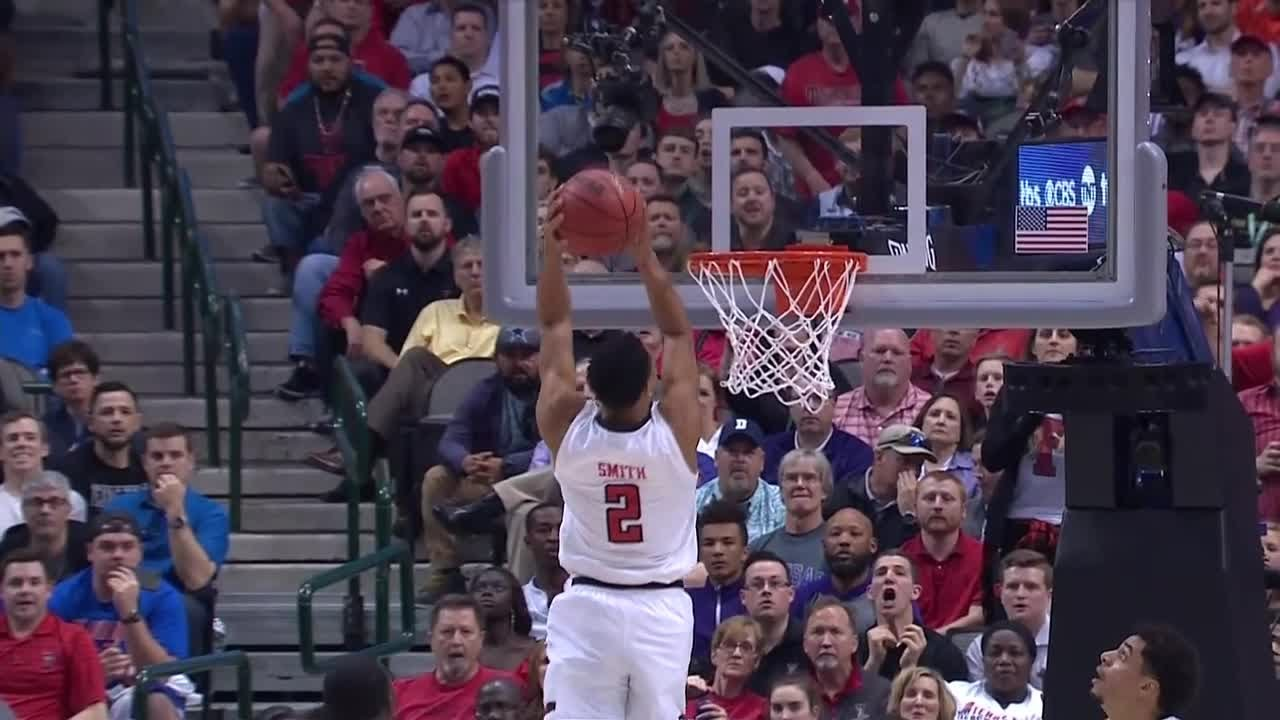 Texas Tech's Zhaire Smith throws down insane 360 alley-oop