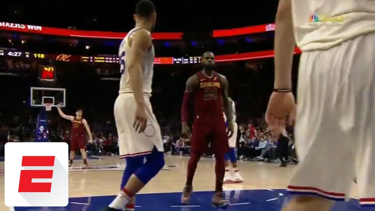 LeBron James dunks and posterizes 76ers' Ersan Illyasova