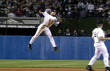 Derek Jeter's famous jump throw in the 1998 MLB playoffs (Throwback Thursday)