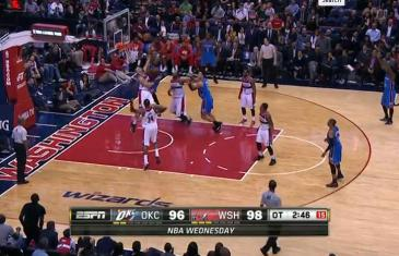 Kevin Durant with a punch slam on Marcin Gortat