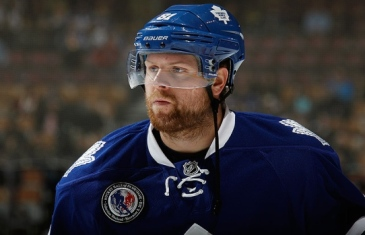 """Phil Kessel """"Do you think it's my fault?"""" and calls reporter an idiot"""