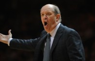 Vanderbilt head coach Kevin Stallings curses at Wade Baldwin IV