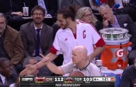 DeMar DeRozan mistakes Joakim Noah as teammate & throws ball out of bounds