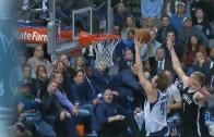 Dirk Nowitzki with rare fast break dunk
