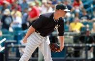 Yankees pitcher David Carpenter airmails pitch during timeout