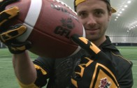 CFL receiver Andy Fantuz breaks one hand catch world record