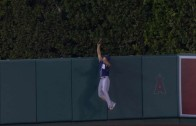 Will Venable robs Mike Trout of a homer