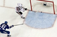 Ben Bishop collides with Hedman causing a slam dunk goal for Patrick Sharp