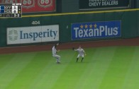 Carlos Correa bloops a hit & ends up with a little league home run