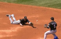 Alexei Ramirez makes an incredible dive and flip