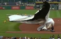 All Hands On Deck: Andrew McCutchen & Pirates help groundscrew put tarp on
