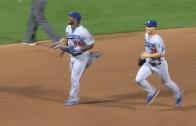 Joc Pederson & Yasiel Puig race each other to the dugout