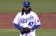 """Johnny Cueto """"shimmies"""" mid-pitch before a strikeout"""