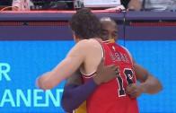 Kobe Bryant & Pau Gasol hug it out before Bulls vs. Lakers tip