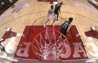 Pau Gasol with a beautiful pass to Derrick Rose
