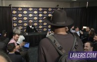 Dwyane Wade interrupts Kobe Bryant's post game presser