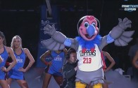 Los Angeles Clippers unveil their new Mascot