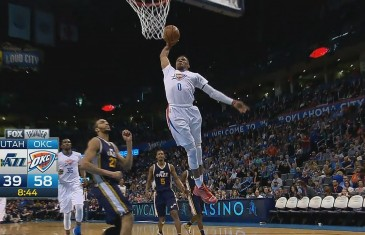 Russell Westbrook with the ferocious fast break slam