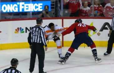Flyers' Wayne Simmonds drops the gloves with Caps' Tom Wilson