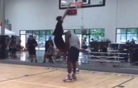 Shaq lets his son Shareef dunk on him in training