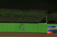 Jarrod Dyson makes the first ever home run robbery at Marlins Park