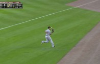 Jose Abreu drops pop fly but redeems himself with double play