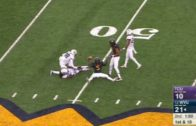 West Virginia's Jovon Durante makes ridiculous catch off the ground