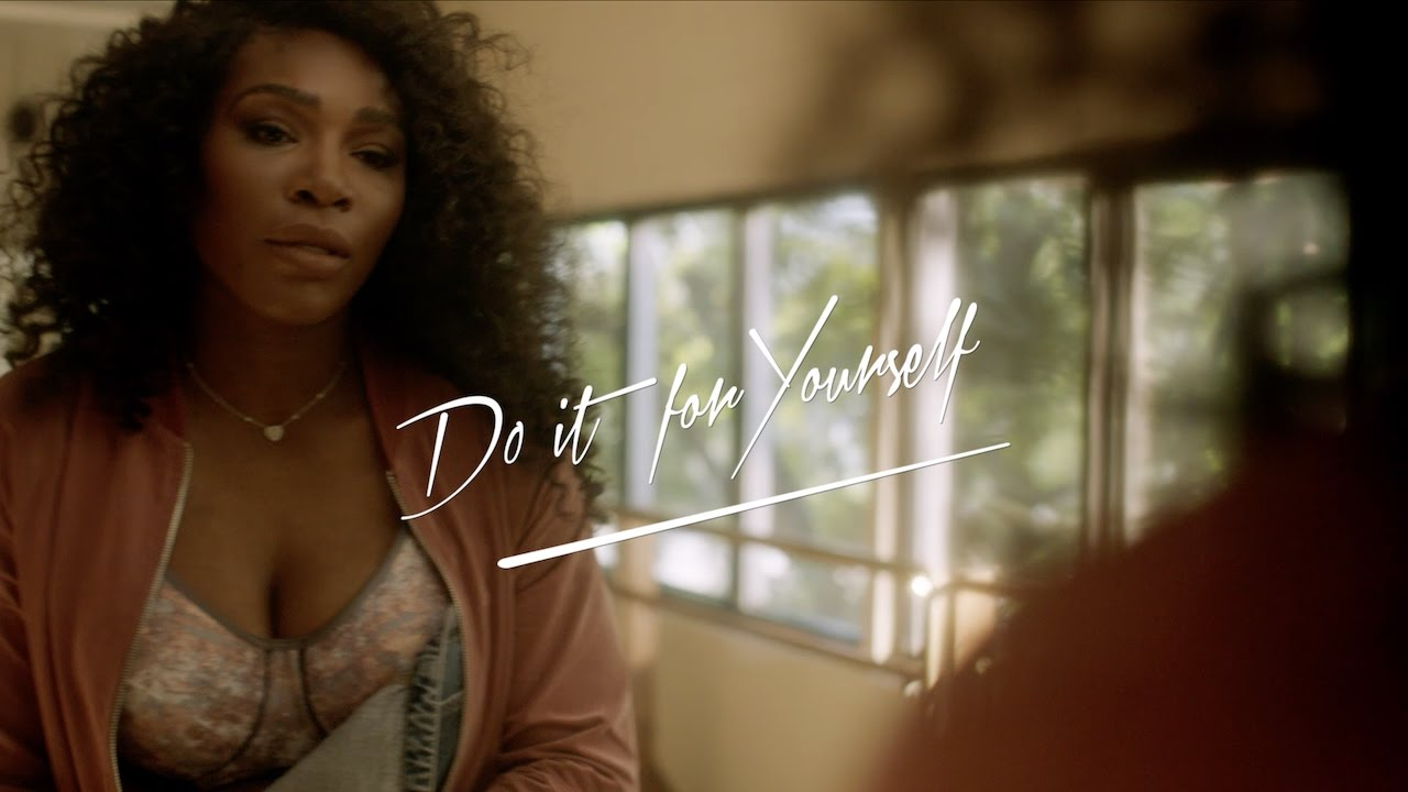 4d67529ba8978 Serena Williams shows off her body in new bra commercial
