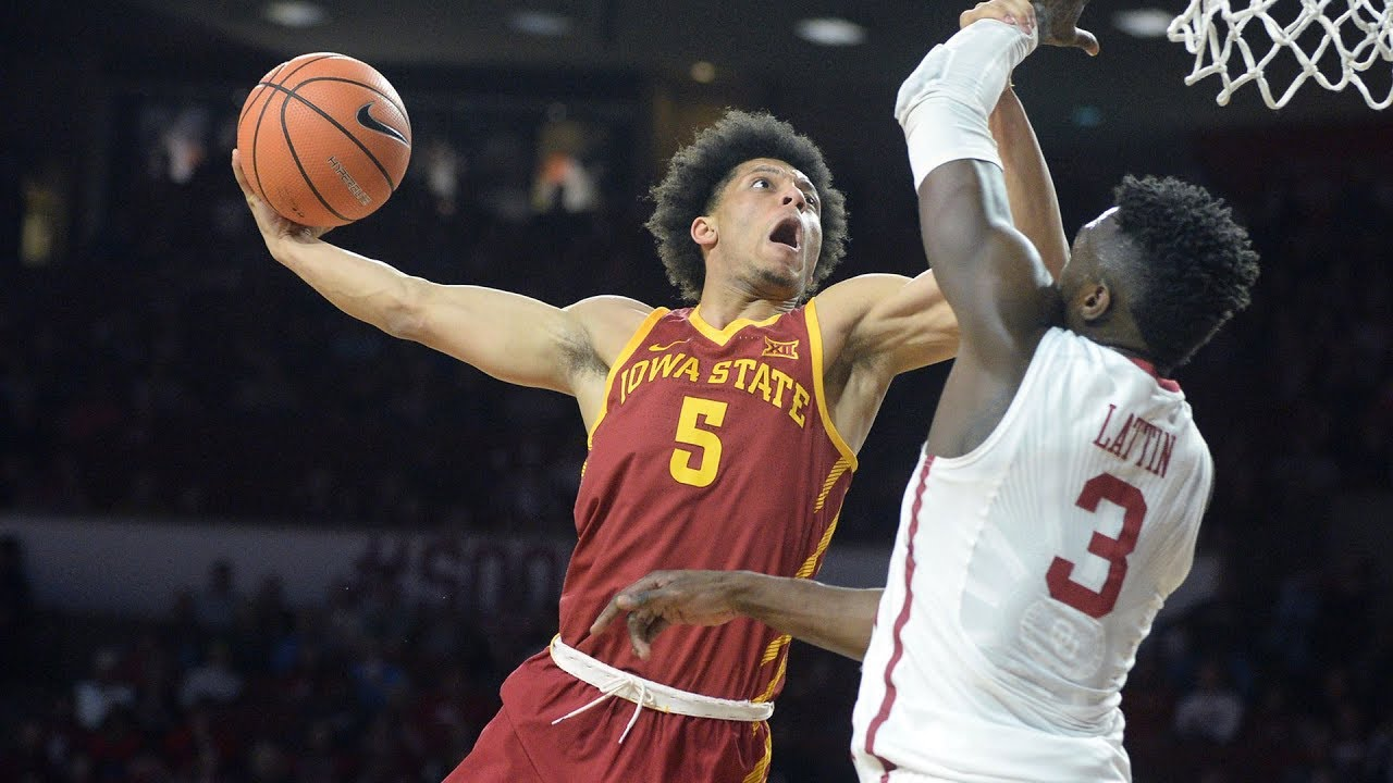 Lindell Wigginton stuffs home a monster jam on Oklahoma