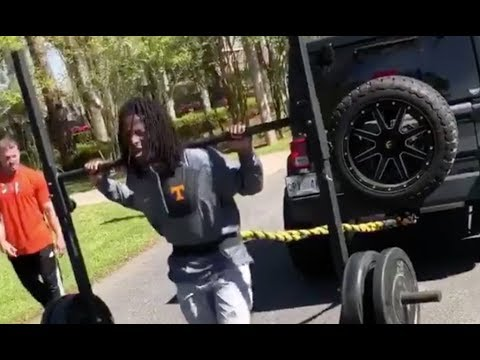 Saints star Alvin Kamara pulls Jeep in ridiculous offseason workout