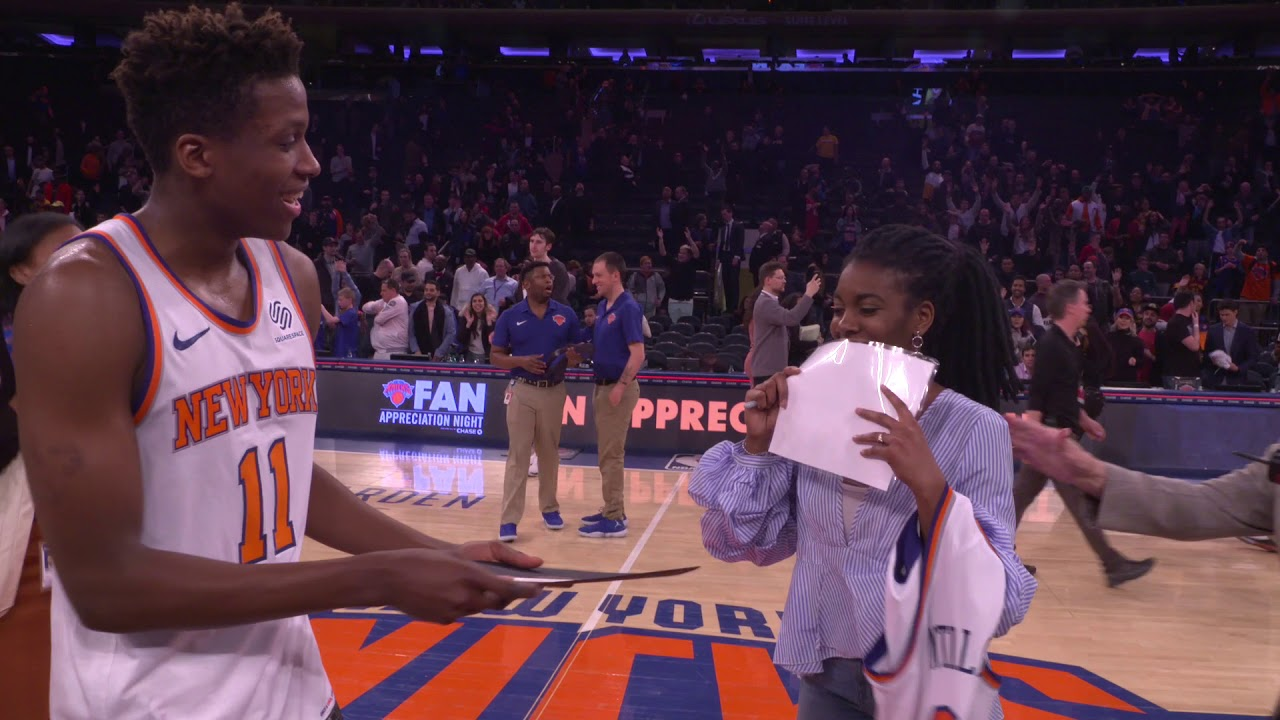 Frank Ntilikina surprises fan on court with the opportunity of a lifetime