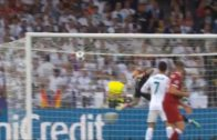 Gareth Bale Scores Amazing Bicycle Kick Goal