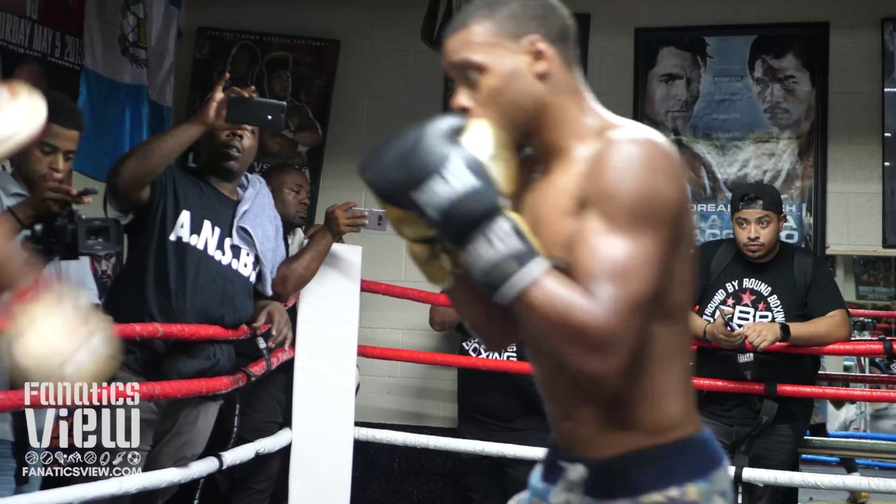 Errol Spence Mitt Training Ahead of Fight vs Ocampo