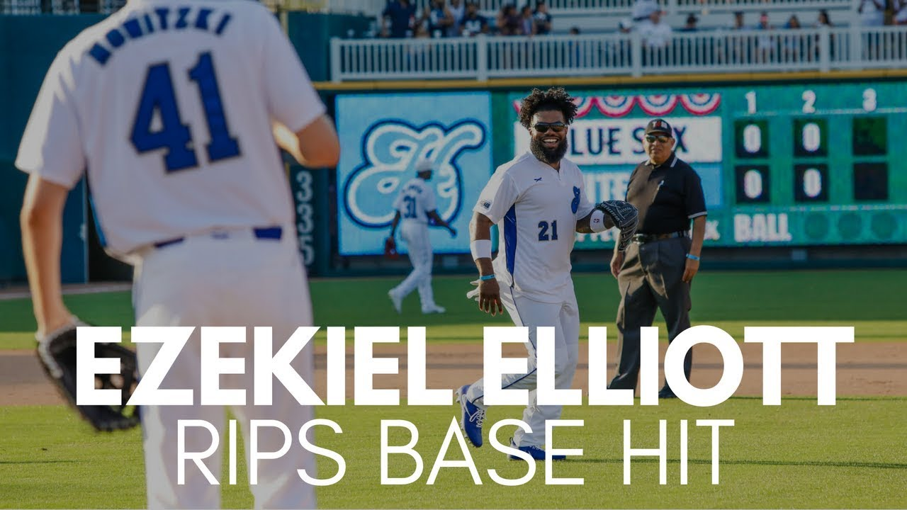 Ezekiel Elliott Smashes Base Hit Into Right Field
