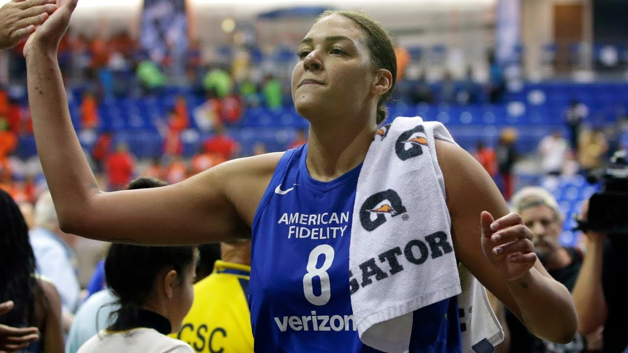 Liz Cambage Breaks WNBA Points Record