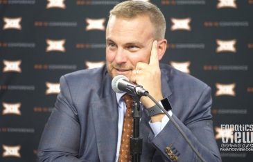 """Tom Herman on How He Gets Texas Players To """"Buy Into Him"""" & Breckyn Hager"""