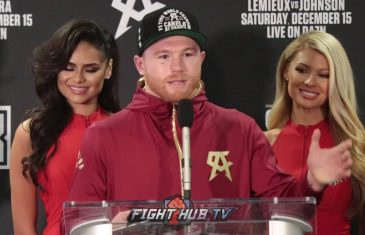Canelo Alvarez stops Rocky Fielding, and becomes a 3-division champion