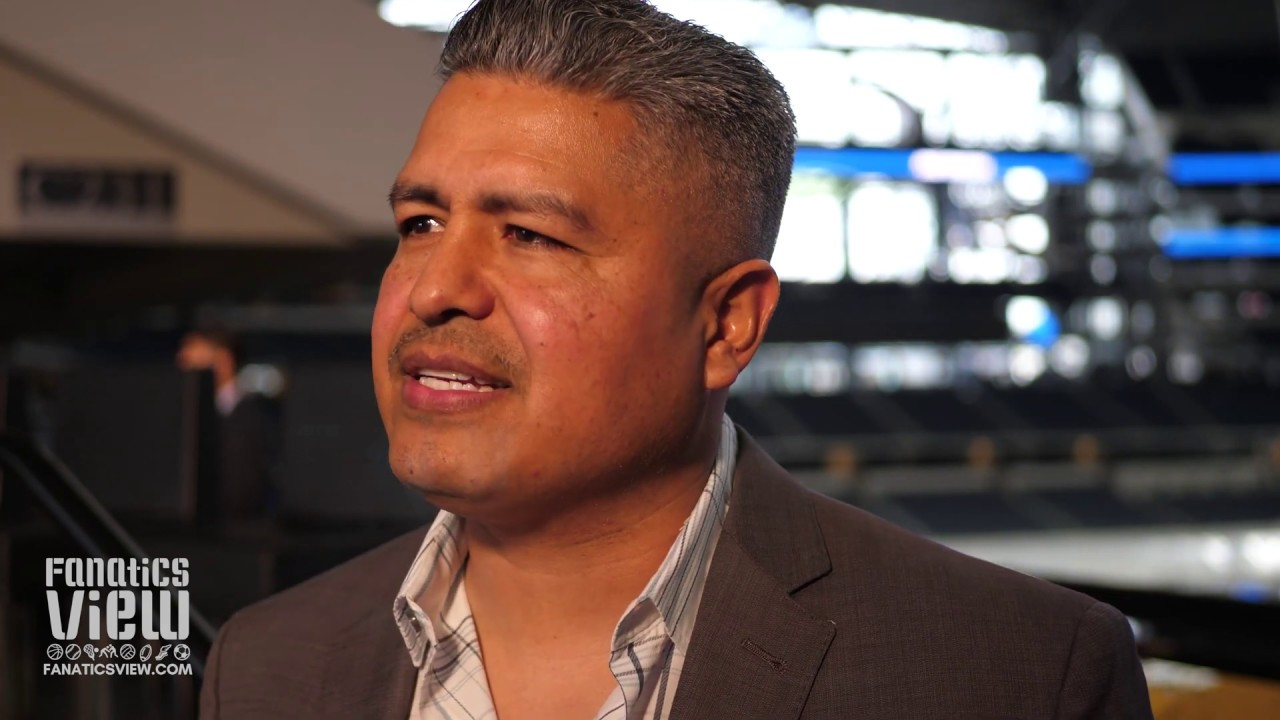 Robert Garcia hopes to repeat history in Errol Spence vs. Mikey Garcia title fight