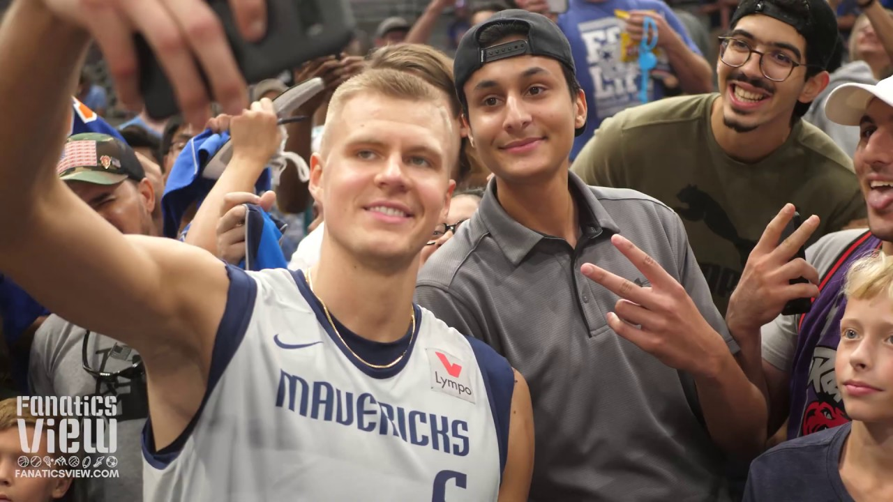 Kristaps Porzingis meets hundreds of Dallas Mavericks fans (FANATICS VIEW DALLAS MAVS VLOG)